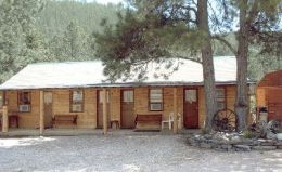 Janssen's Lode Stone Motel & Cabins