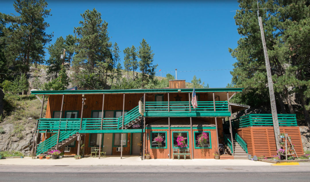 Battle Creek Lodge & Vacation Rentals