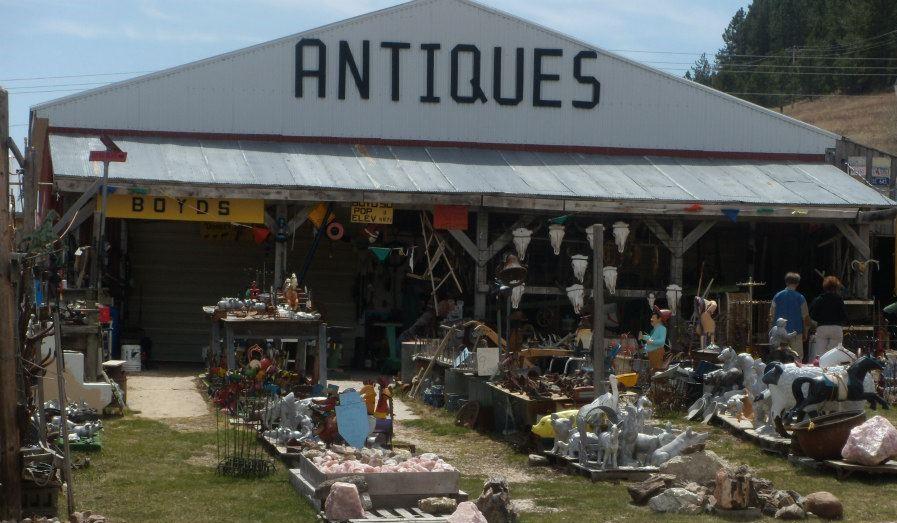 Boyd's World Famous Antiques & Uniques